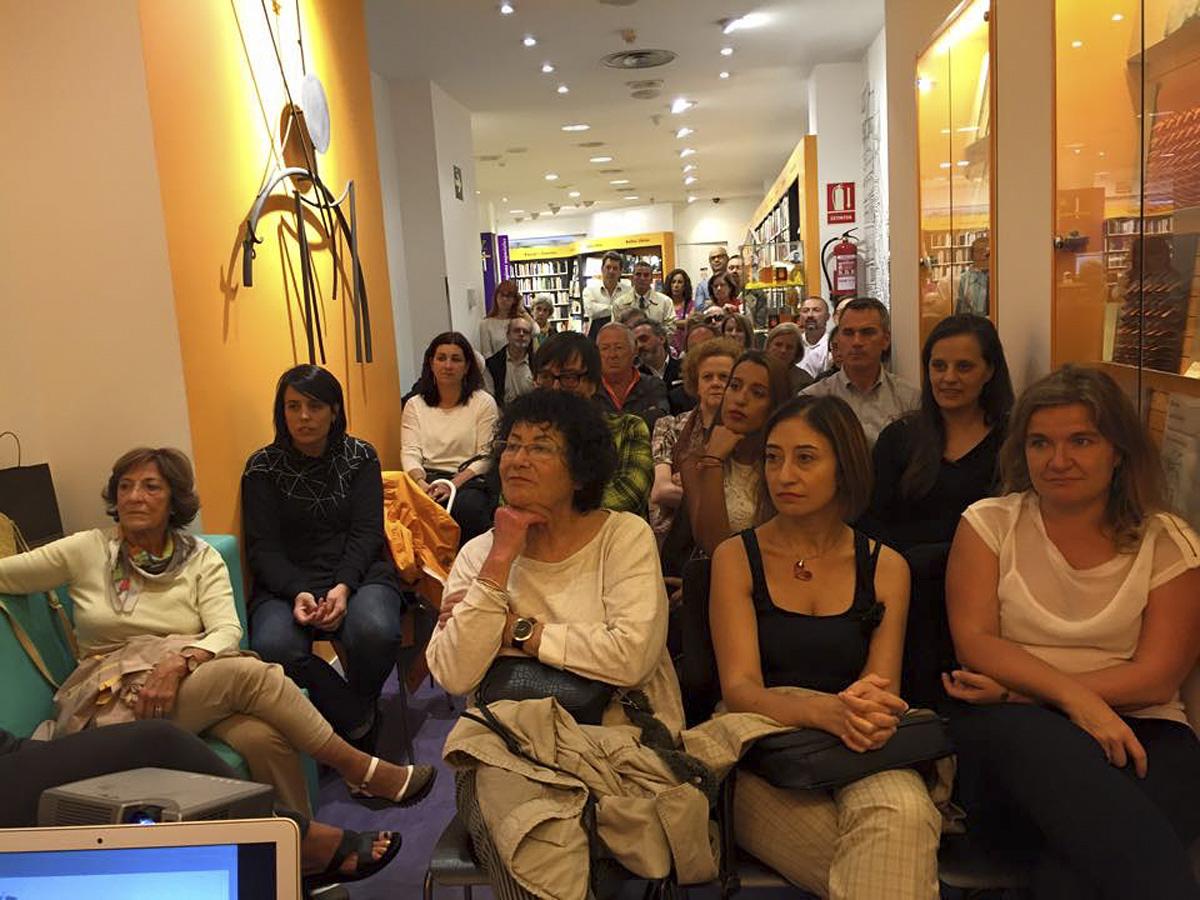 Poetas en la librería Cervantes(II)
