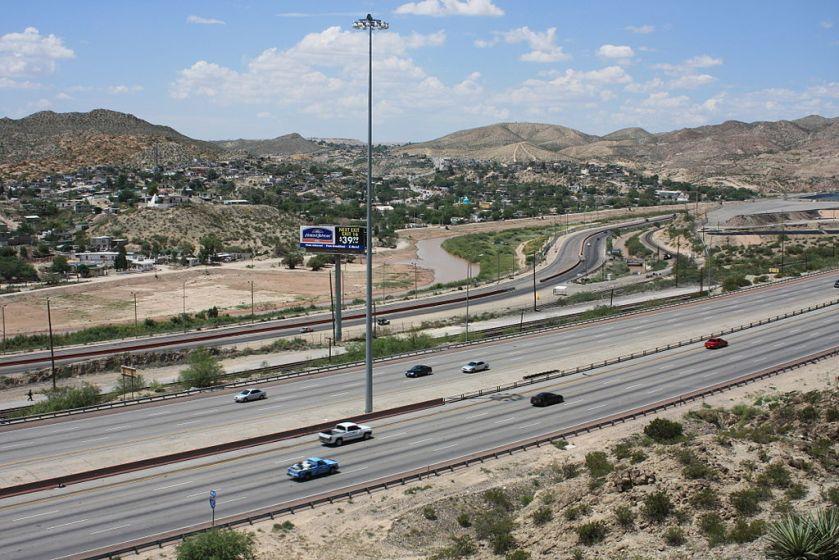 1024px-El_Paso_and_Juarez